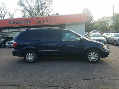 2006 Chrysler Town and Country for sale in Sioux City, IA