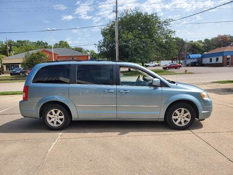 2010 Chrysler Town and Country for sale in Sioux City, IA