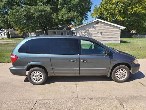 2004 Chrysler Town and Country for sale in Sioux City, IA