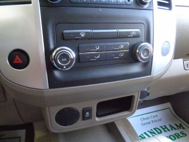2014 Nissan Frontier 4x2 SV V6 4dr King Cab 6.1 ft. SB Pickup 5A - Florence SC