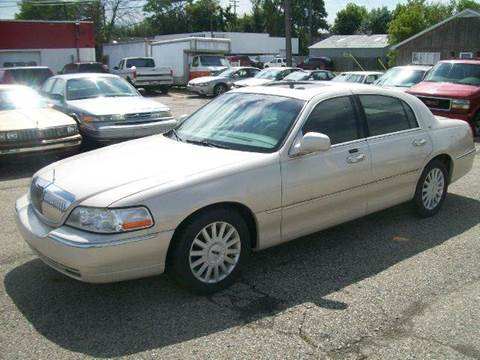 2003 Lincoln Town Car for sale in Port Huron, MI