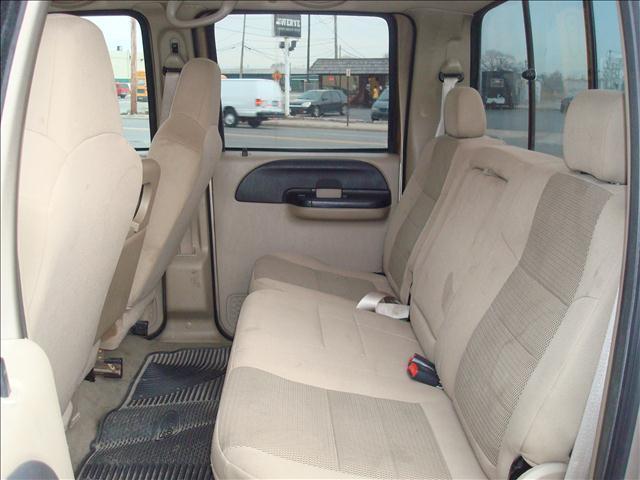 2005 Ford F-250 Super Duty 4dr Crew Cab XLT 4WD LB - Port Huron MI