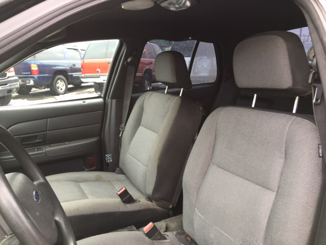 2008 Ford Crown Victoria Police Interceptor 4dr Sedan (3.55 Axle) w/Driver and Passenger Side Air Bags - Port Huron MI