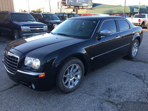 2005 Chrysler 300 for sale in Port Huron, MI