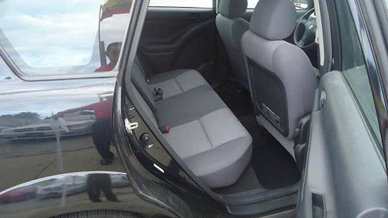 2005 Pontiac Vibe (image 6)