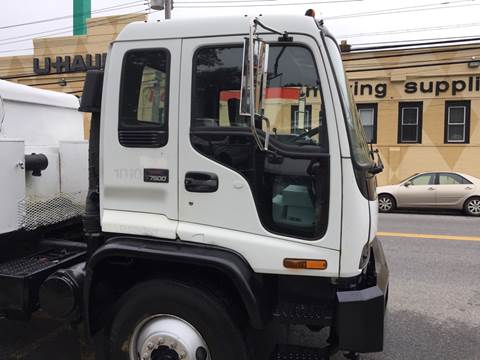 2002 GMC T7500 for sale in New Rochelle, NY