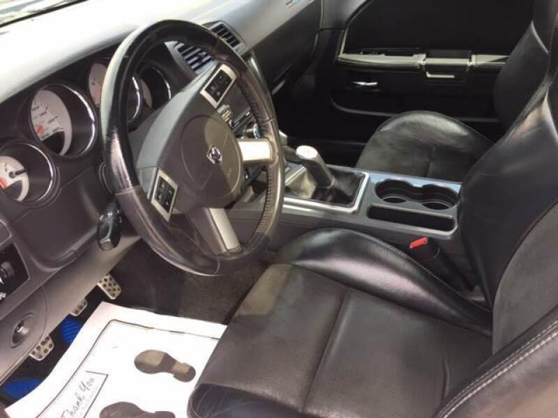 2010 Dodge Challenger SRT8 (image 9)