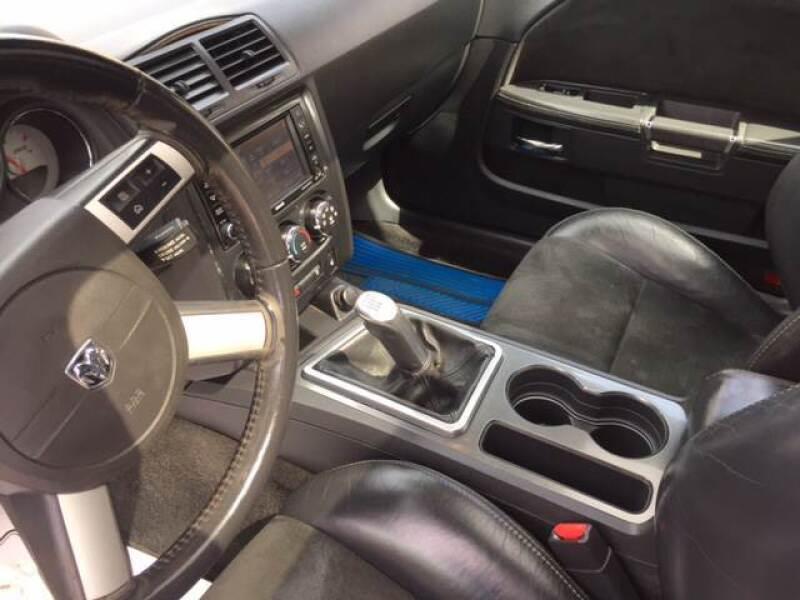 2010 Dodge Challenger SRT8 (image 12)