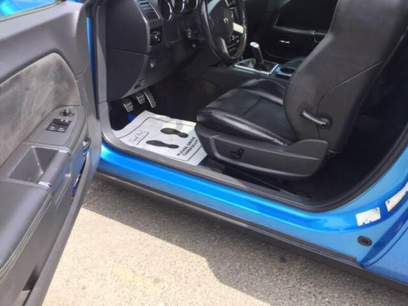 2010 Dodge Challenger SRT8 (image 7)