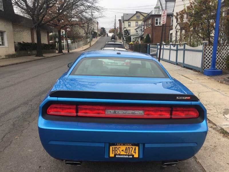 2010 Dodge Challenger SRT8 (image 19)