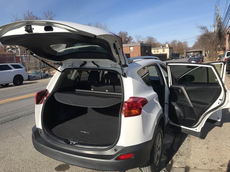 2015 Toyota RAV4 AWD XLE 4dr SUV - New Rochelle NY
