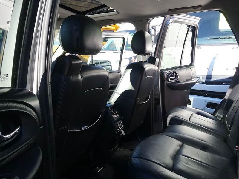 2005 Chevrolet TrailBlazer LT 4WD 4dr SUV - New Rochelle NY