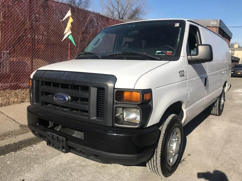 2014 Ford E-Series Cargo E-150 3dr Extended Cargo Van - New Rochelle NY