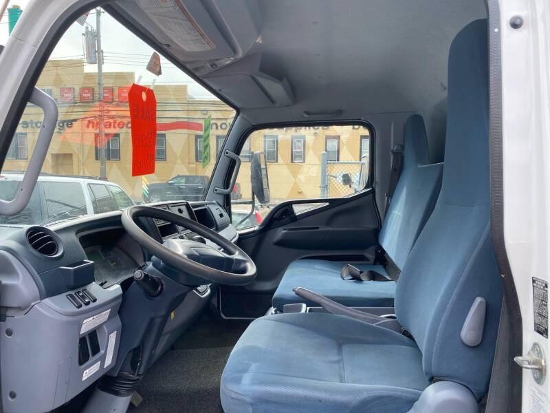 2012 Mitsubishi Fuso FEC72S 4X2 2dr Regular Cab 149.6-161.0 in. WB - New Rochelle NY