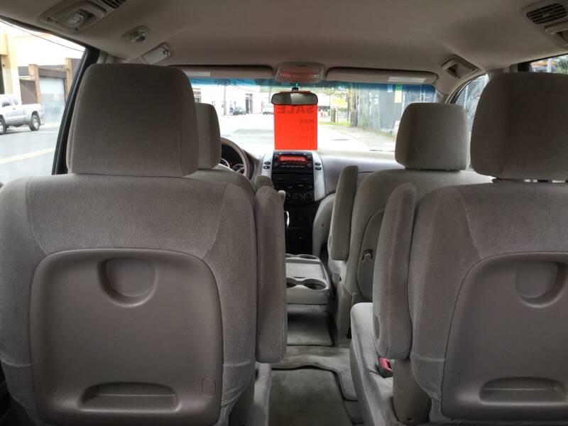 2009 Toyota Sienna CE 7-Passenger 4dr Mini-Van - New Rochelle NY