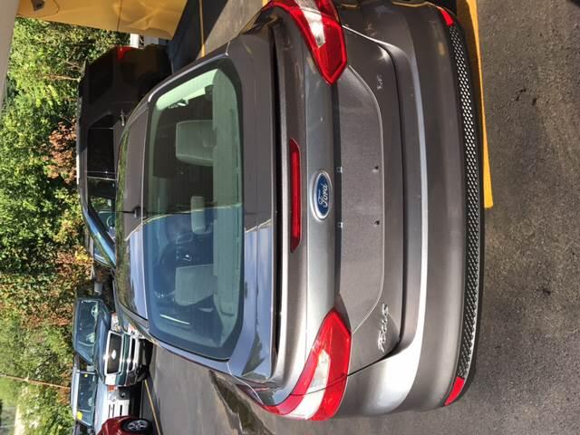 2012 Ford Focus SE 4dr Sedan - Pittsburgh PA