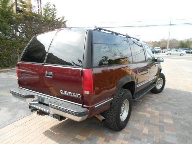 1999 chevrolet suburban 2500 mpg