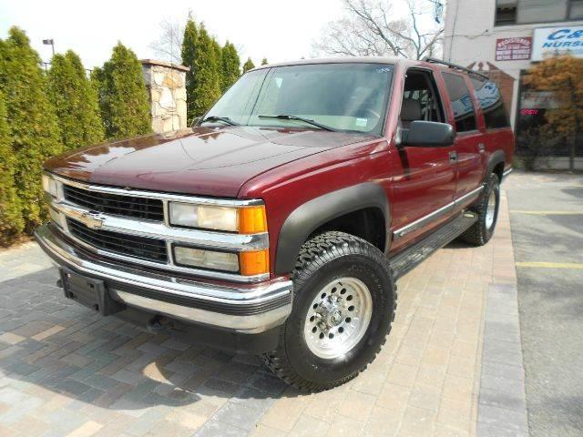 1999 Chevrolet Suburban K2500 4wd In Farmingdale Ny