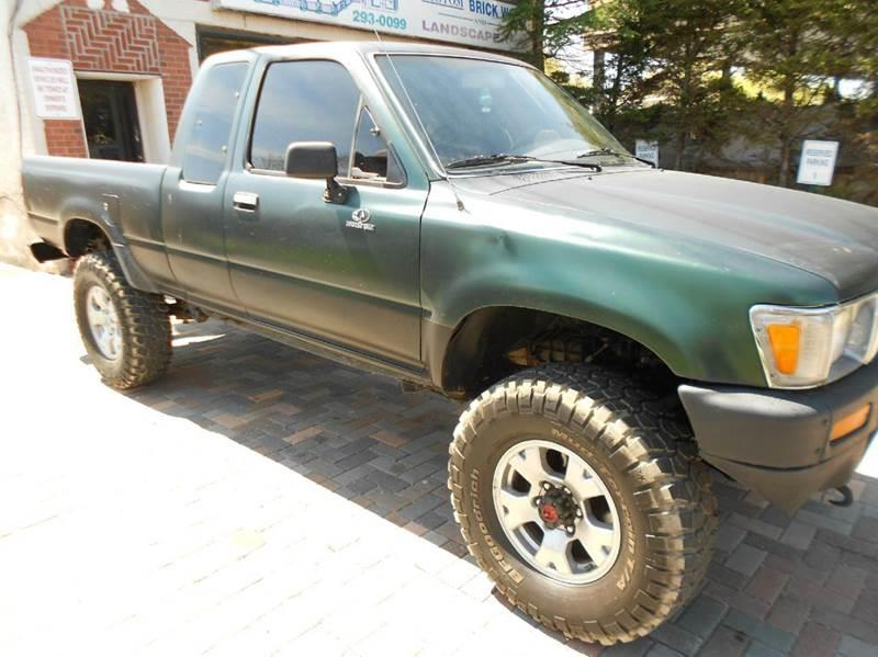 1991 Toyota Pickup Deluxe 2dr 4WD Extended Cab SB In