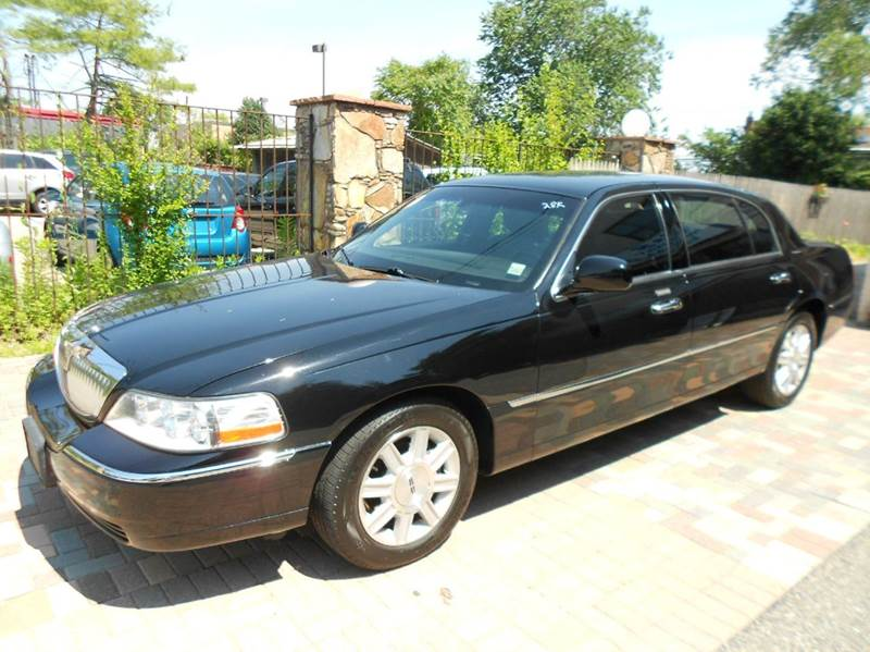 2011 Lincoln Town Car Executive L 4dr Sedan In Farmingdale Ny