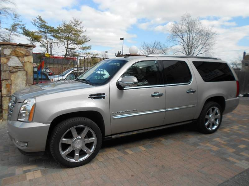 escalade cadillac and for buy trucks cars new used sale b canada or salvaged base sell