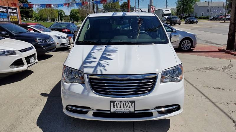 2015 Chrysler Town and Country Touring-L 4dr Mini-Van - Clyde OH