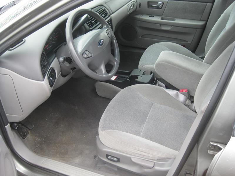 2001 Ford Taurus Ses 4dr Sedan In Fort Wayne In E N Budget Corner