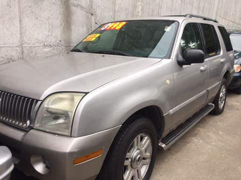 2003 Mercury Mountaineer for sale at Deleon Mich Auto Sales in Yonkers NY