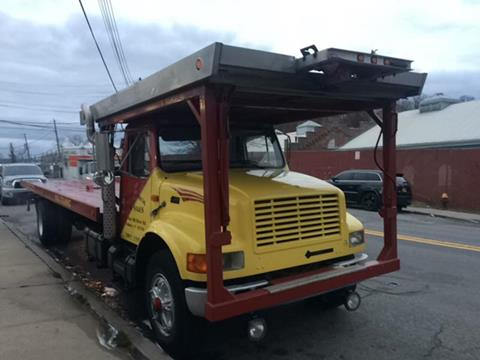 1995 International 4900 for sale in Yonkers, NY