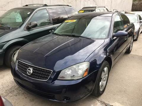 2005 Nissan Altima for sale at Deleon Mich Auto Sales in Yonkers NY