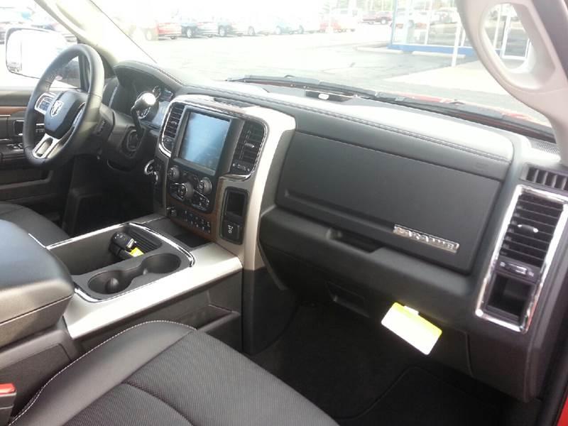 2017 RAM Ram Pickup 3500 4x4 Laramie 4dr Mega Cab 6.3 ft. SB Pickup - Canton IL