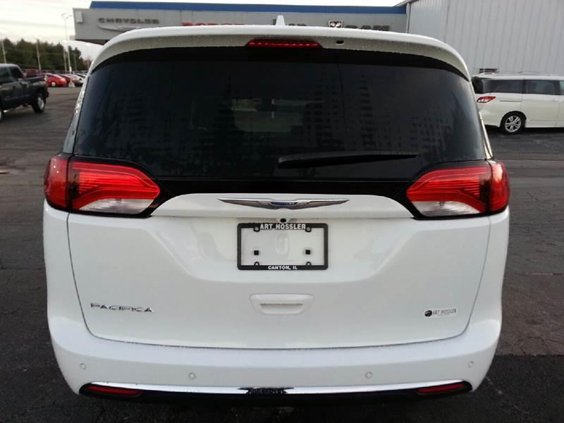 2017 Chrysler Pacifica Touring-L Plus 4dr Mini-Van - Canton IL