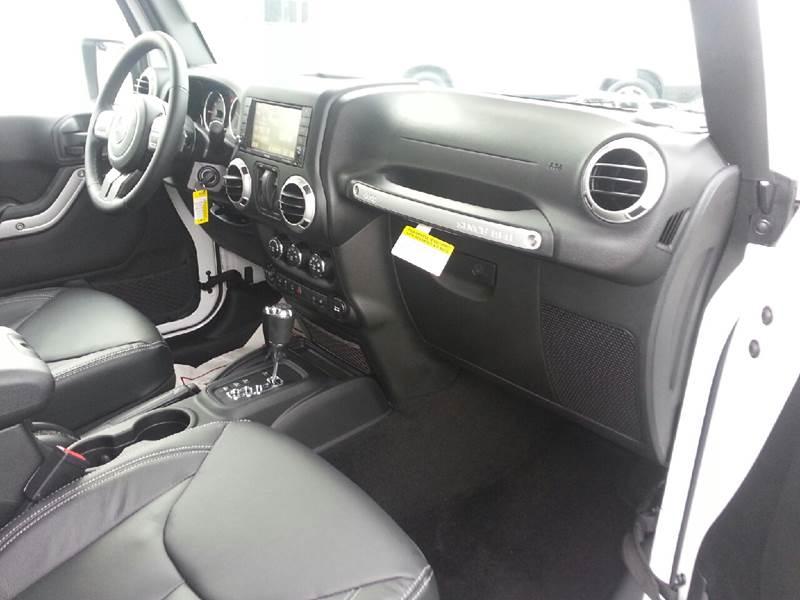 2017 Jeep Wrangler 4x4 Sahara 2dr SUV - Canton IL