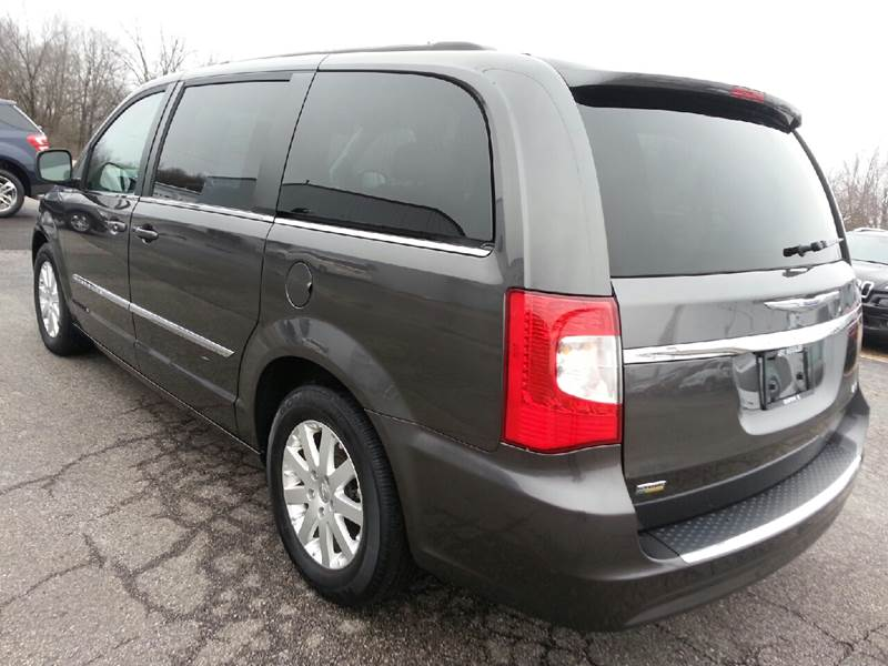 2015 Chrysler Town and Country Touring 4dr Mini-Van - Canton IL