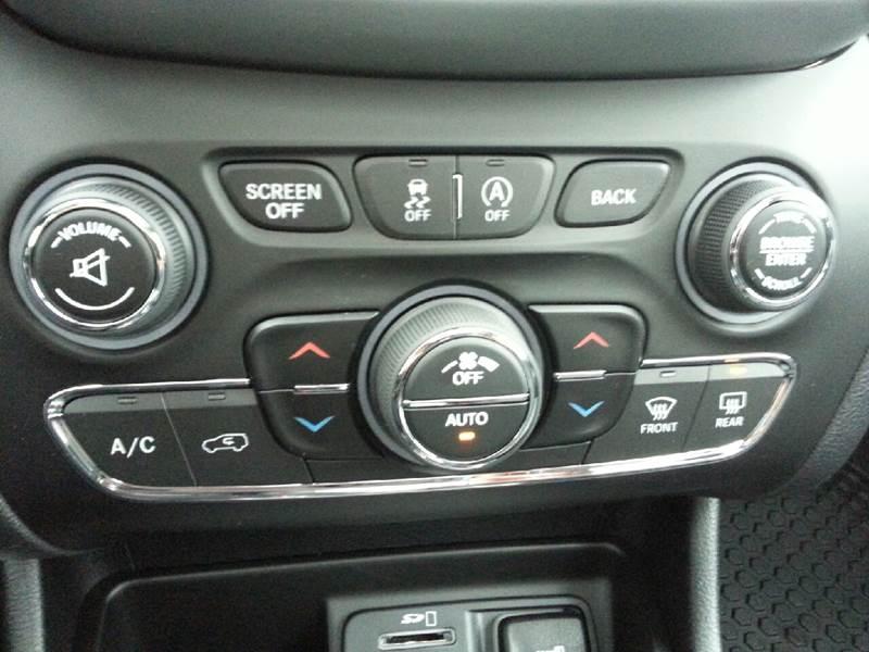 2017 Jeep Cherokee 4x4 Trailhawk 4dr SUV - Canton IL