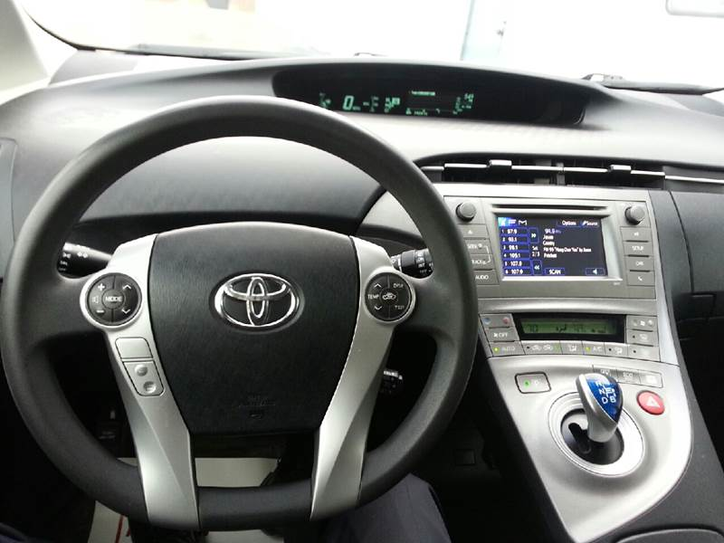 2013 Toyota Prius Three 4dr Hatchback - Canton IL