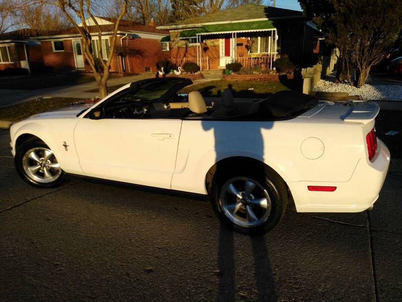 2008 Ford Mustang V6 Deluxe 2dr Convertible - Detroit MI
