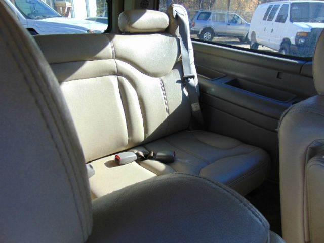 2002 GMC Yukon XL 1500 SLT 4WD 4dr SUV - Greenville SC