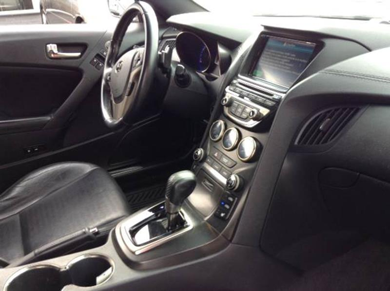 955836679 2013 hyundai genesis coupe 3 8l track in granite city il m & k 2013 Genesis Coupe Interior at gsmportal.co