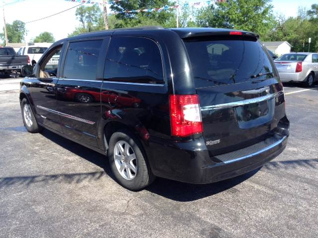 2012 Chrysler Town and Country Touring 4dr Mini-Van - Granite City IL