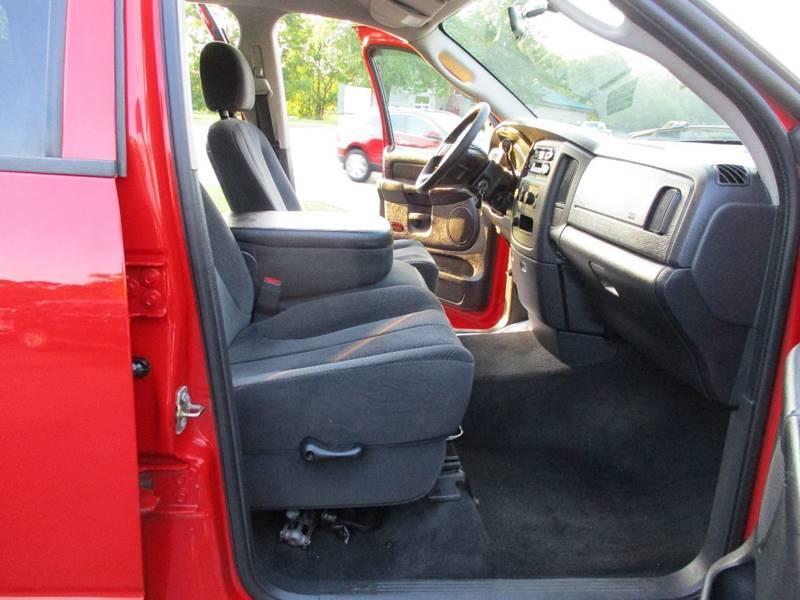 2004 Dodge Ram Pickup 1500 4dr Quad Cab SLT 4WD LB - Crystal Lake IL