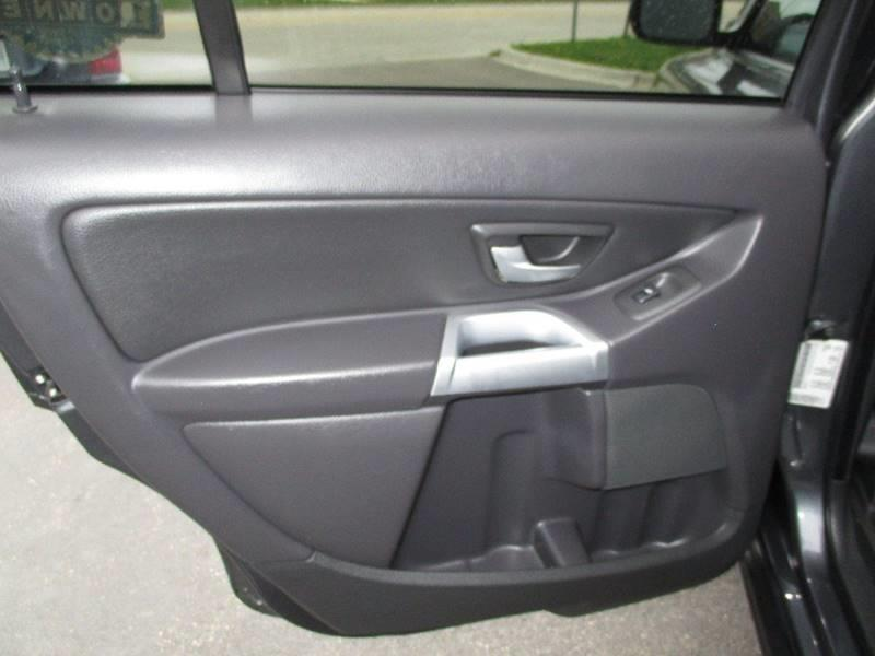 2006 Volvo XC90 2.5T 4dr SUV w/third row - Crystal Lake IL