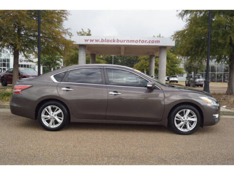2014 Nissan Altima for sale at BLACKBURN MOTOR CO in Vicksburg MS