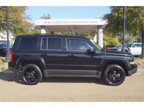 2014 Jeep Patriot for sale at BLACKBURN MOTOR CO in Vicksburg MS