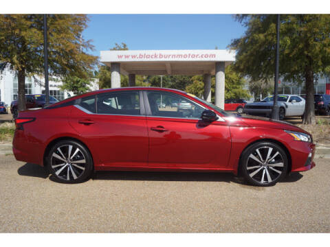 2020 Nissan Altima for sale at BLACKBURN MOTOR CO in Vicksburg MS