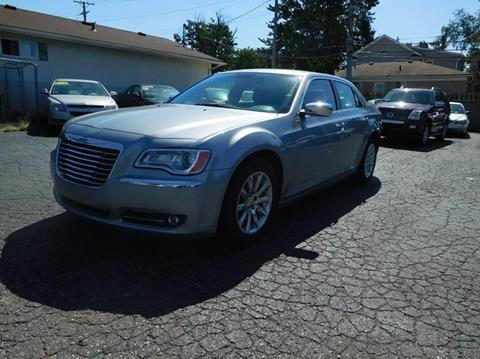 2013 Chrysler 300 for sale in Redford, MI