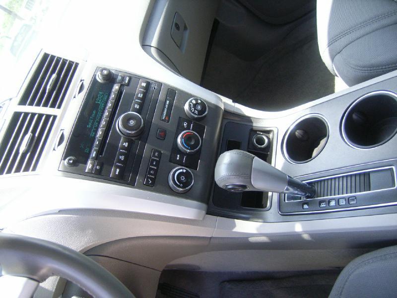 2012 Chevrolet Traverse LT 4dr SUV w/ 1LT - Victoria TX