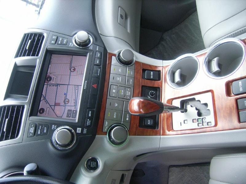 2010 Toyota Highlander Limited 4dr SUV - Victoria TX
