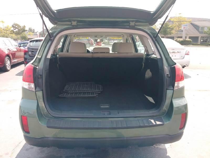 2010 Subaru Outback AWD 3.6R 4dr Wagon - Fairhaven MA