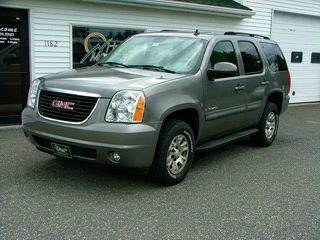 2007 GMC Yukon for sale at HILLTOP MOTORS INC in Caribou ME